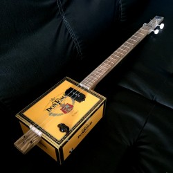 cigarbox-guitar-stlouis-3-cordes-don-tom